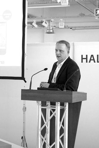 Einzelbeitrag über die Digitalisierung des Retail-Handels und von Städten von Simon Marg auf der LOCA Conference 2016